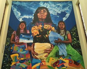 """Uno de los murales del tríptico sobre """"Cien años de soledad"""" en la Biblioteca Nacional de Colombia"""