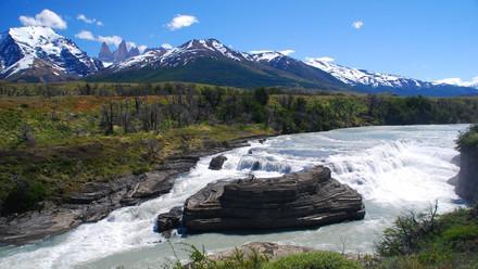 cascada_paine_zona_patagonia.jpg
