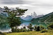 Lago_Desierto_cara-norte_fitz_roy.jpg