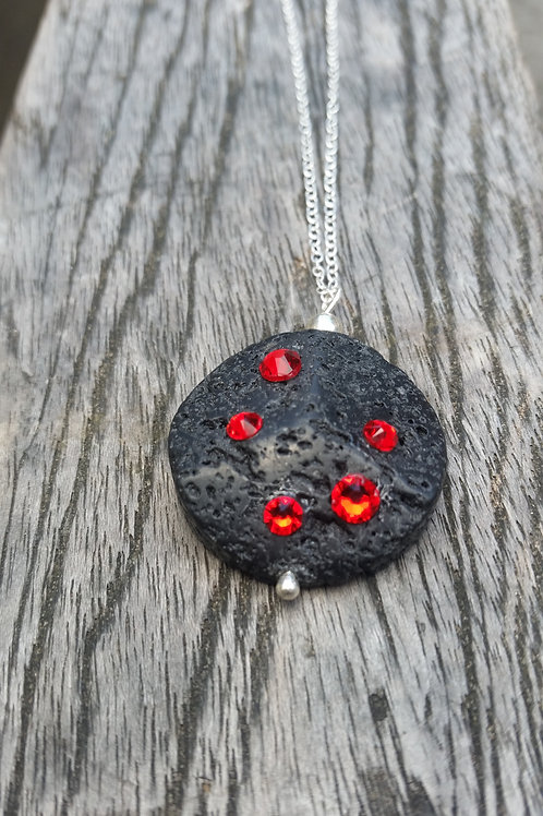 Magma Round pendant on silver