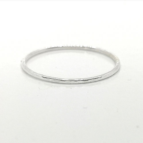 Stackable hammered ring in Sterling Silver, 1 mm