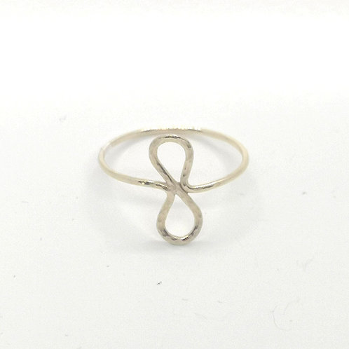 Eight Ring in Silver