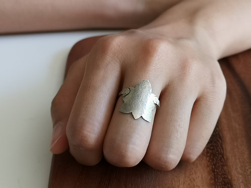 Maple Leave Ring in Sterling Silver, 1.5mm