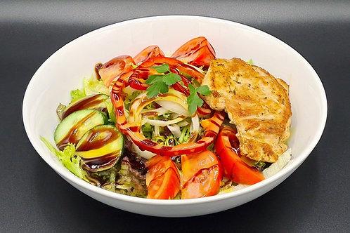 G23 / Hähnchenbrust-Salat (mit Weißbrot)