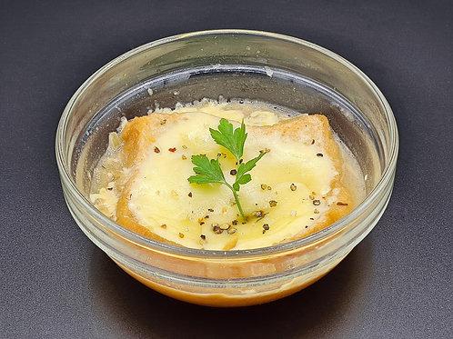G19 / Zwiebelsuppe (mit Weißbrot)