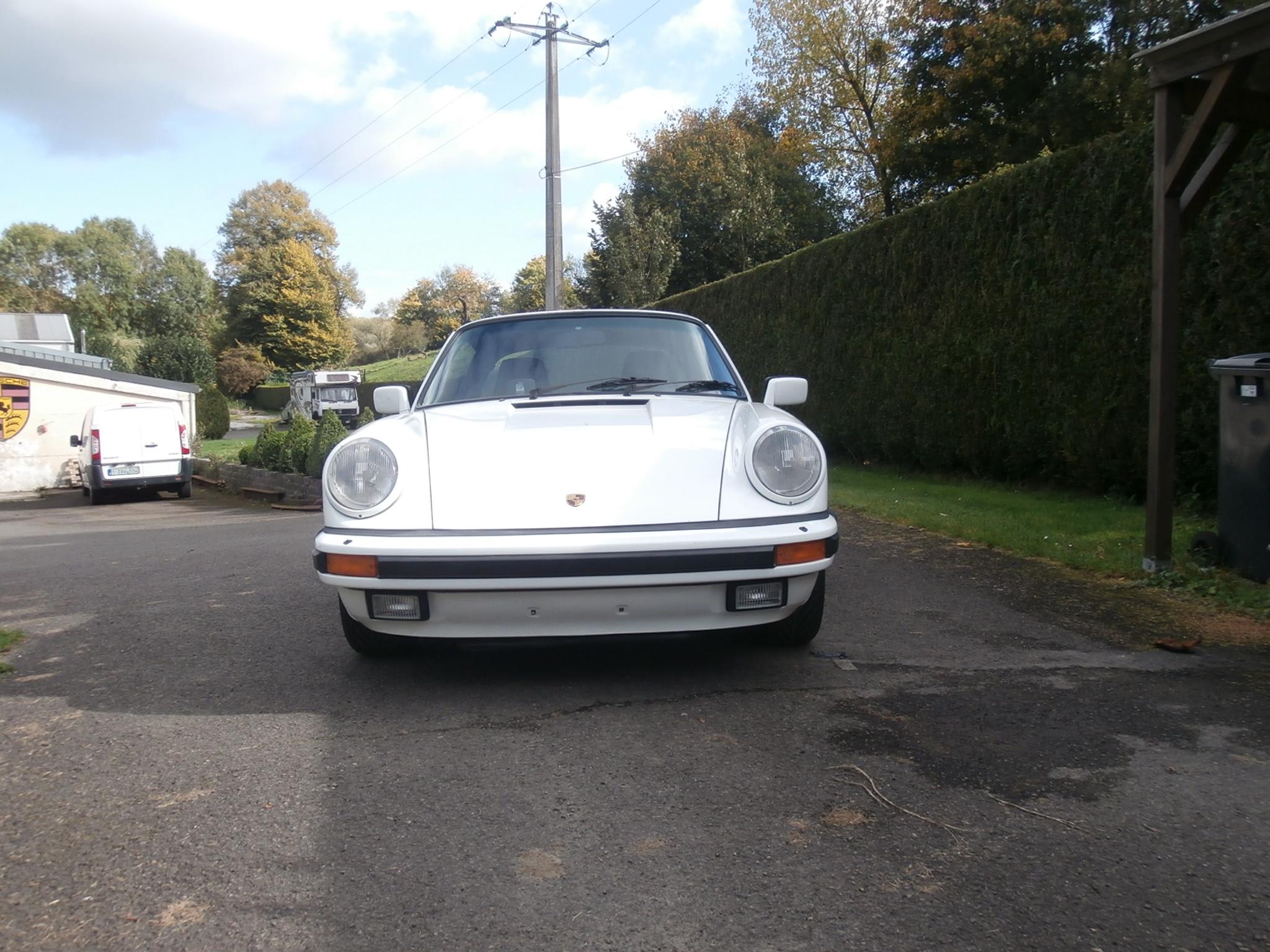 Porsche 911 Targa 3.2L 1985