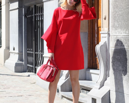 Lady in red…