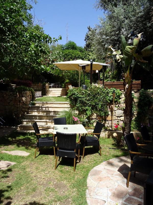 Sangrias restaurant garden