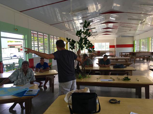 Réunion-Publique-Huahine.jpg