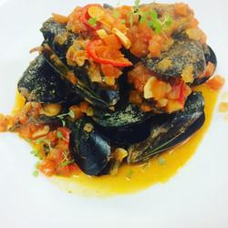 EDen Mussels Tomato, Onion, Garlic, Chil