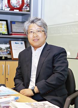 김동중 대표.png