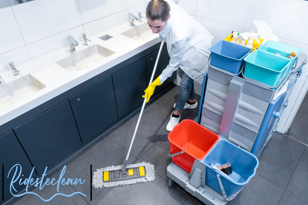 Ridesteclean Hotel, Restaurants and Comm