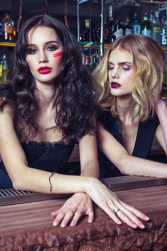 @arcetlatour #omagazine www.omagazine.fr Photographe Quentin Vaquez Modèle Cole Night Agence Modèle MP Paris, Stylist Delphine Escaliere MUA Johanna Monti Mua - Haistylist Elodie Sellito @arcetlatour #omagazine www.omagazine.fr Stylism – Delphine Escalière  Photo – Quentin Vaquez Makeup (blond hair) – Johanna Monti; Maquillage(brown hair) – Mélanie Chrabaszcz;  Hair – Elodie Sellito, Clara Longi ;  Models : Elena Trusova (brown hair) MP Paris ; Cole Christophe Guillarme Jewels  Jerome de Stefano