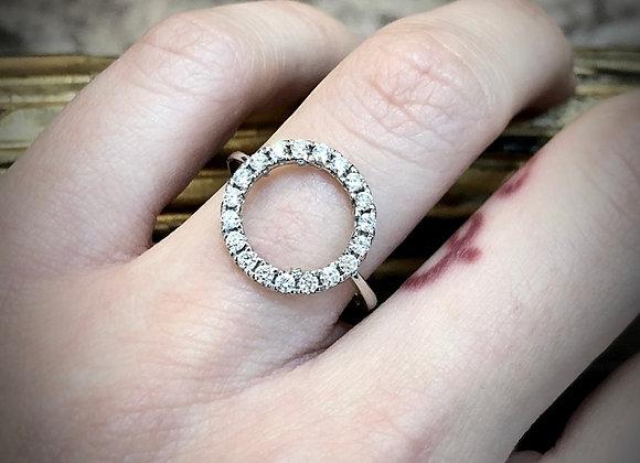 18k Circle shape diamond fancy ring