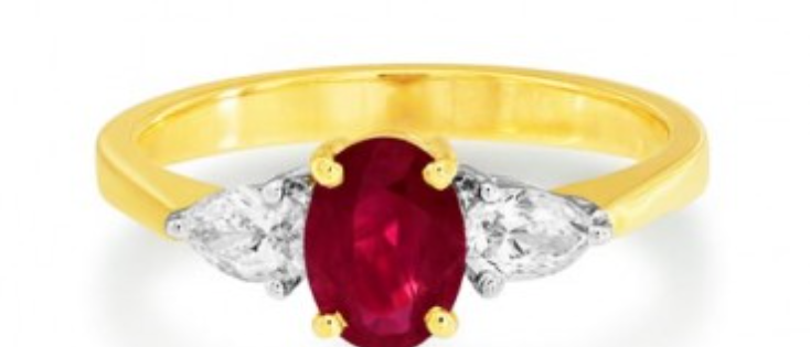 Oval Ruby with Pear Shape in 18k gold