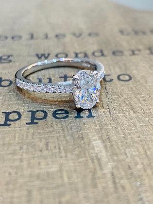 1 ct Oval diamond in stunning platinum ring