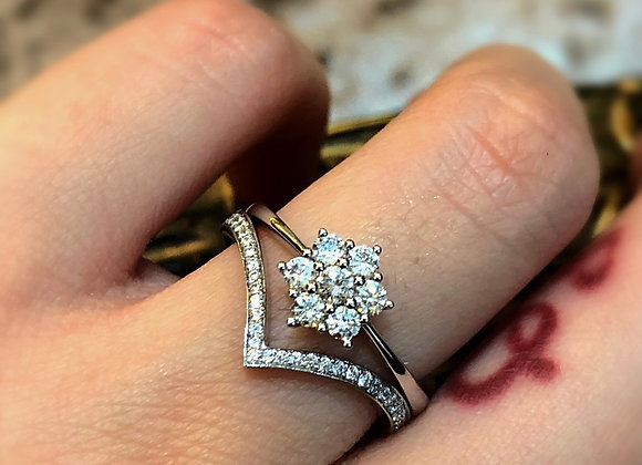 Daisy cluster diamond ring