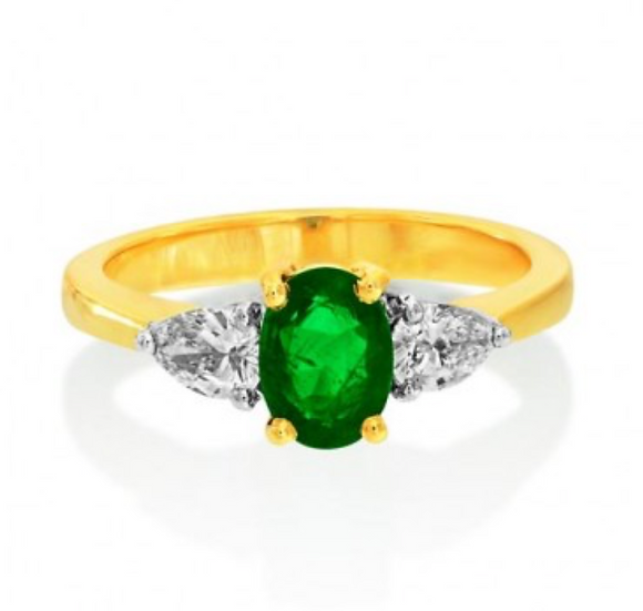 Emerald with Pear Diamonds