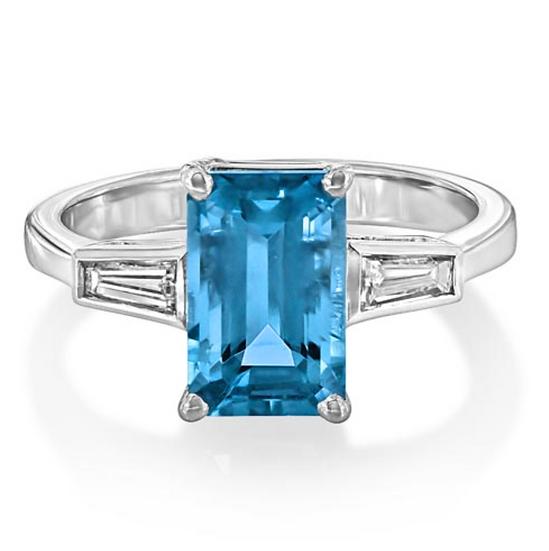 Emerald Aquamarine Baguette Sidestones