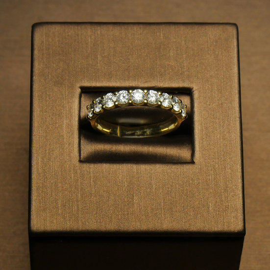 Nine Diamond Shared Claw