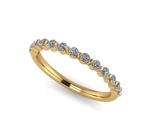 Single claw 1.7mm diamond set band