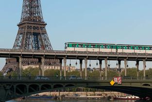 Do aeroporto até Paris: Faça o teste para saber sua melhor opção de transporte!