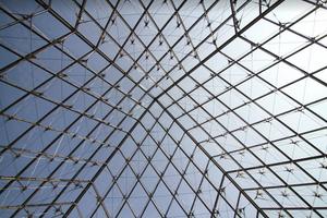Piramide do Louvre Paris