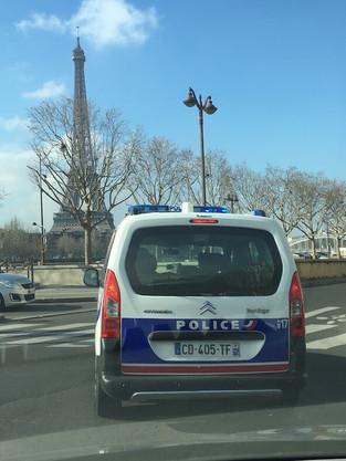 10 golpes comuns em Paris - cuidado, você está sendo roubado!
