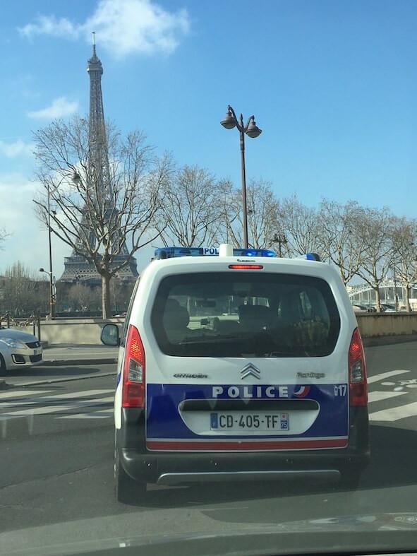 Policia em Paris