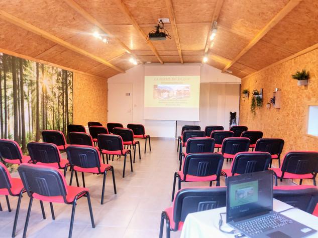 Salle réunion auditorium_compressed.jpg