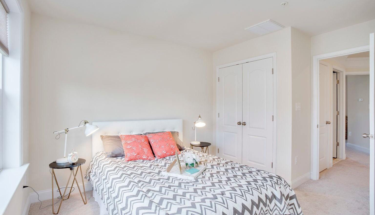 Guest Bedroom (After)
