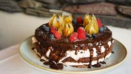 Koristeltu kakku