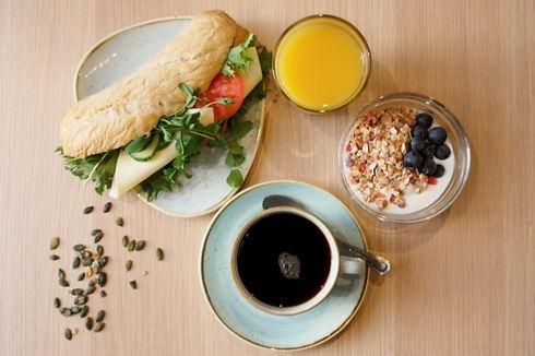 Breakfast Cafe Cardemumma