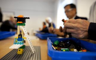 """""""Juego Serio"""" con la Metodología LEGO® SERIOUS PLAY®"""
