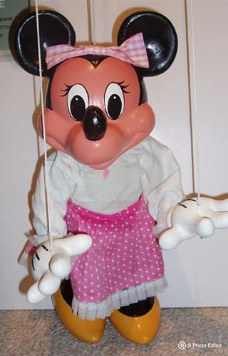 Display Minnie Mouse