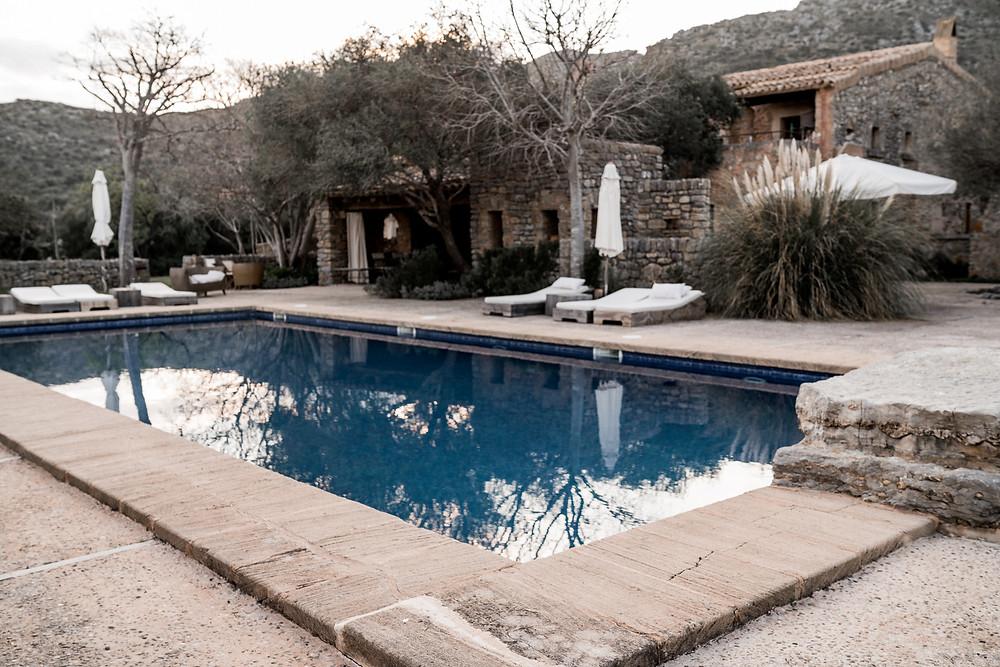 Finca Mallorca Wedding Hochzeit mit Pool für Freie Trauung