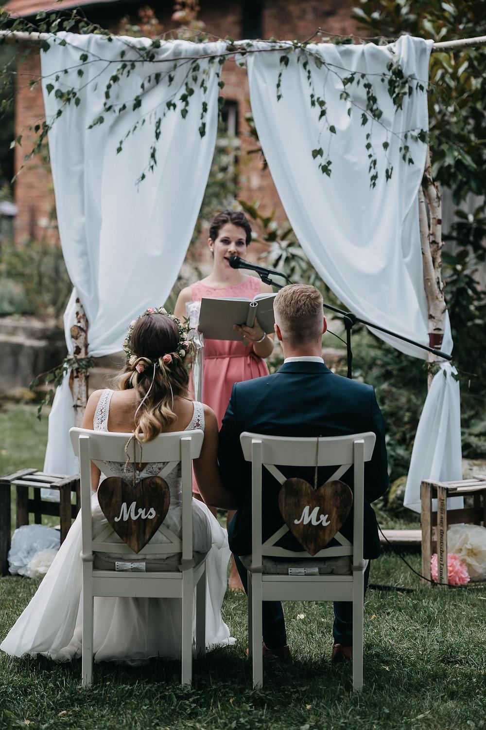 Freie Trauung Hochzeitsfotograf Scheunenhochzeit Boho Vintage