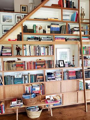 StairCaseBookshelf.jpg