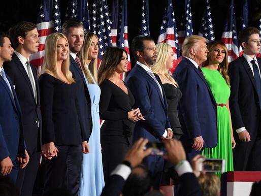 Tổng thống Trump có thể ân xá cho bản thân và gia đình?