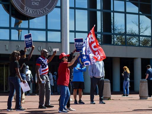 Người ủng hộ Trump phá rối cuộc bầu cử sớm tại Virginia