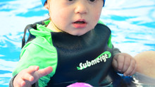 Tips for keeping your baby warm when swimming through the cooler months
