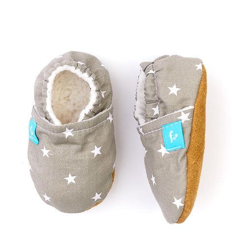 Puhatalpú kiscipő