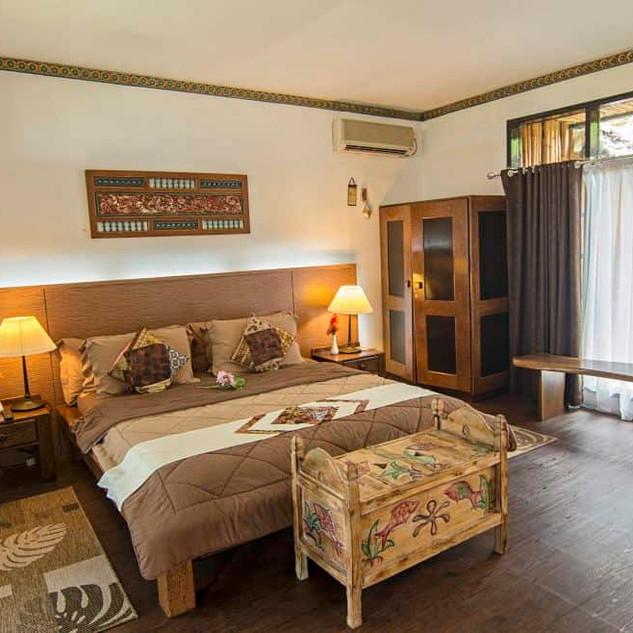 Sea-View-Suite-Bedroom.jpg