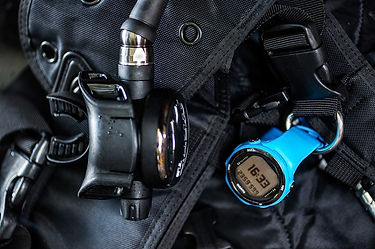 suunto_d4i_novo_blue_action2.jpg