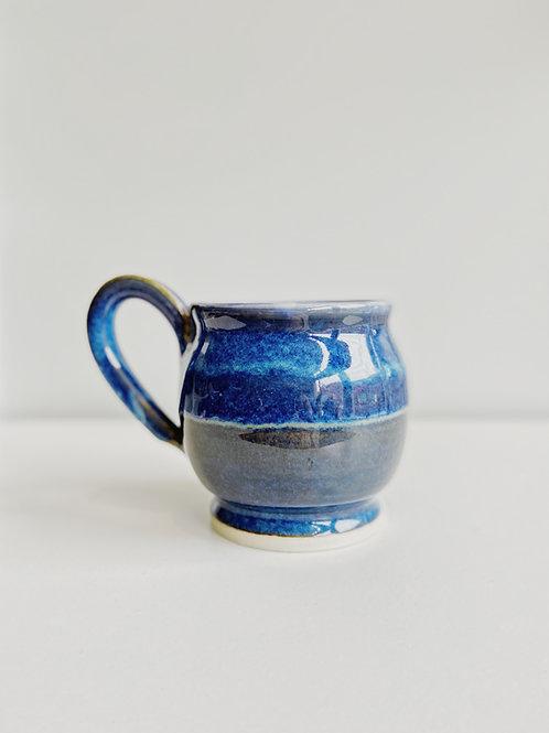 Round Blue Mug | Pieter Ijsselstein