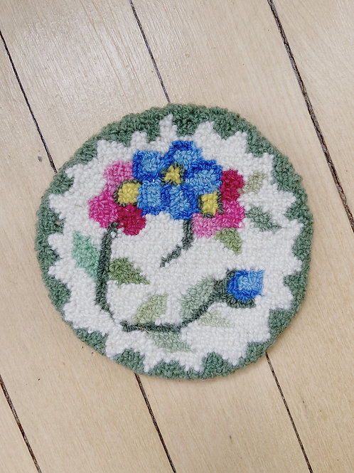 Green Floral Round Mat | Cheticamp Rug Hooking