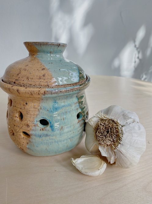 Summer Garlic Pot | Postma Pottery