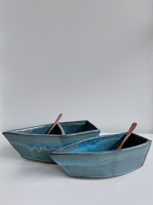 Sea Blue Dory Serving Dish | Sea Winds Pottery