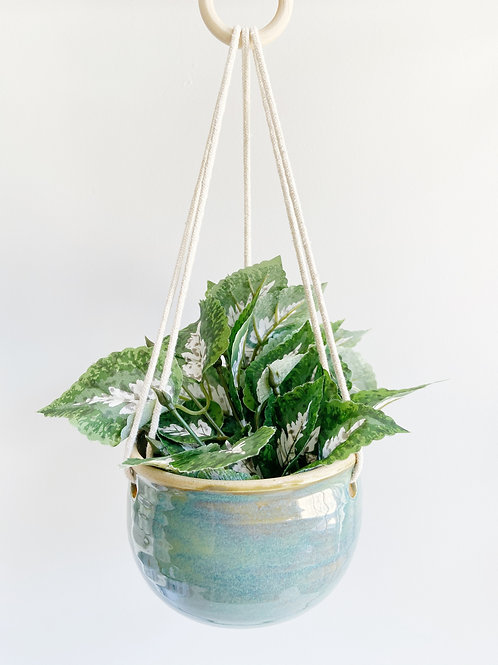 Fundy Spray Hanging Planter | Anderson Pottery