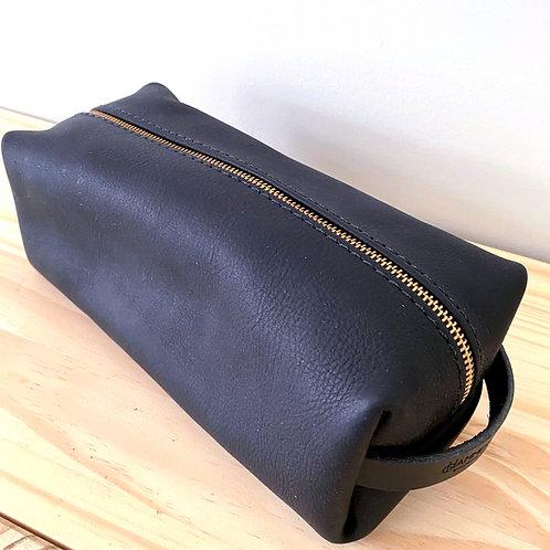 Black Leather Dopp Kit Bag   Hammerthreads